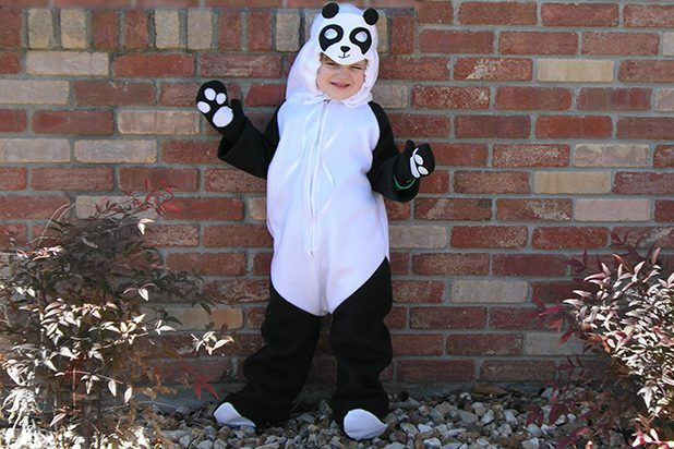 Gratis Fasching Schnittmuster - Homemade Panda Costume