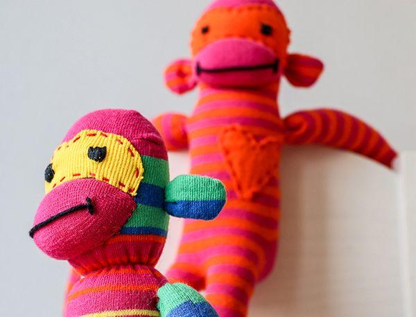 Gratis Spielsachen Schnittmuster - Socken-Affen